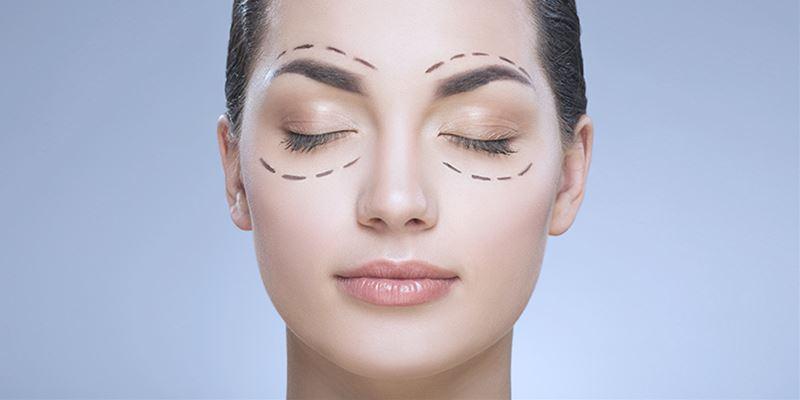 chirurgia per rimuovere il grasso sopra gli occhi